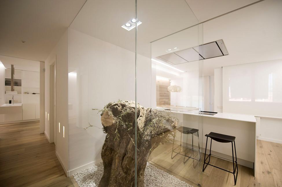 Дизайн в стиле хай-тек: коридор